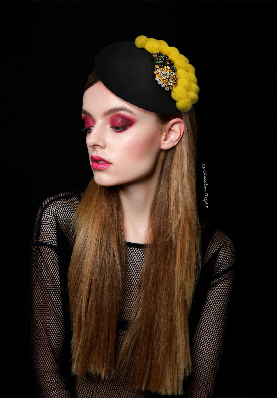 beret pompons ananas strass