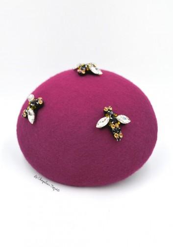 beret rose avec abeilles en strass