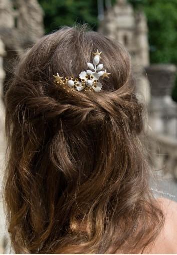 Pic A Chignon Fleur Blanche Et Etoiles