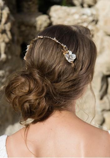 Couronne de Mariée à Fleurs en Nacre et Perles