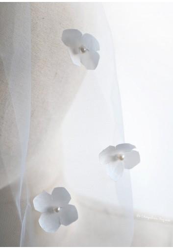 voile mariée court rebrodé de fleurs et perles
